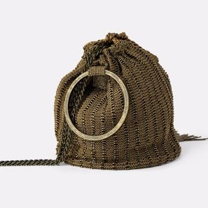 💰NWT ZARA Gold Beaded Crossbody Bag With Ring💰